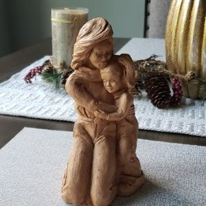 Mother/daughter handcarved statue